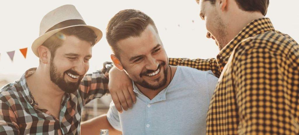 boys-drinking-beer-and-having-fun