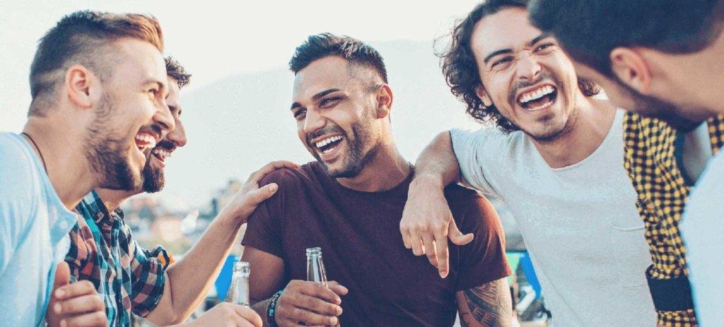 boys-drinking-beer-and-having-fun-